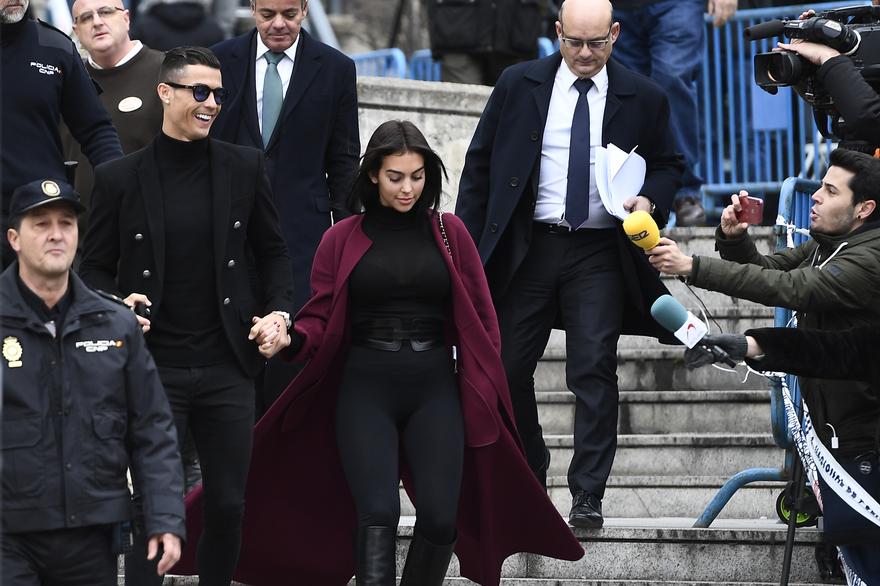 كريستيانو رونالدو يتزوج سرا في المغرب - ache24.ma