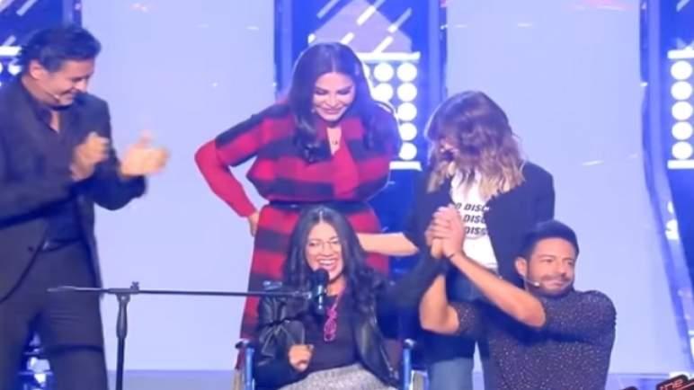 مغربية تبكي حماقي في «ذو فويس».. وتهز مشاعر سمير سعيد وعلامة (فيديو)