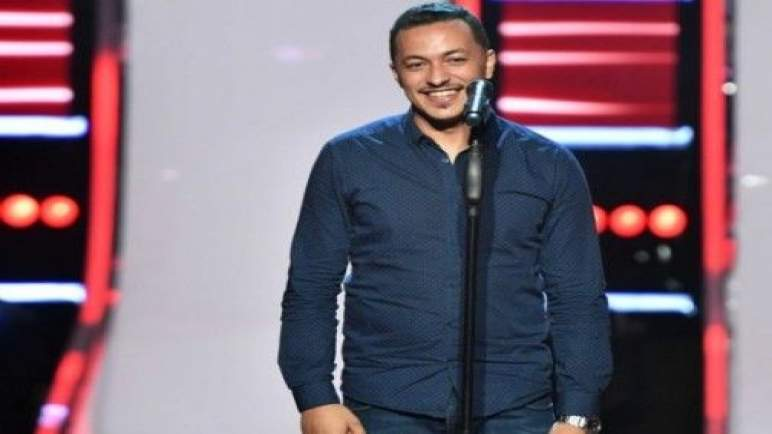 مشارك مغربي في «ذا فويس» يعتذر من الجزائريين