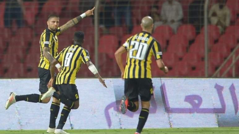 لاعب مغربي يتسبب في أزمة في الاتحاد السعودي