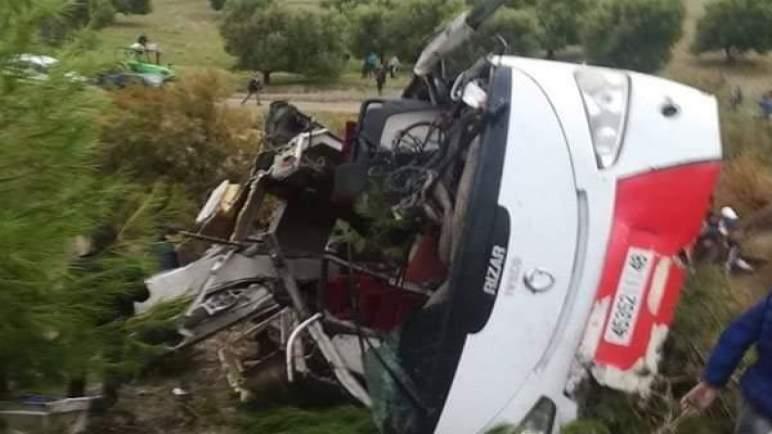 فاجعة طرقية جديدة. مصرع 8 وإصابة 42 جراء انقلاب حافلة لنقل الركاب بإقليم تازة
