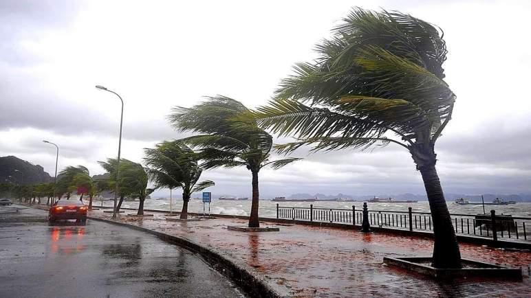 نشرة خاصة : أمطار ورياح قوية غدا بهذه المدن